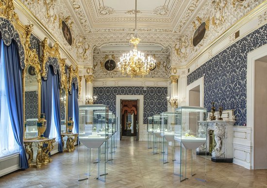 Evening at Faberge Museum with a return cruise ship transfer
