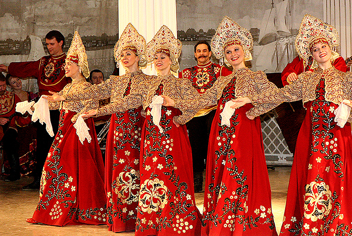Russian Folk-Show at Nikolayevsky Palace with hotel transfers